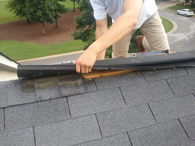 What To Look For When You Need Commercial Roof Repair